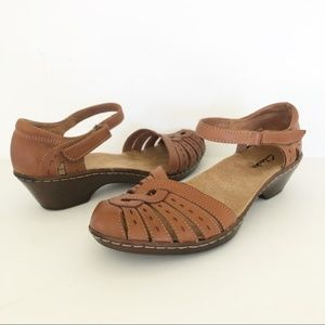 Clarks Leather Comfort Wedge Sandals Size 6.5 M